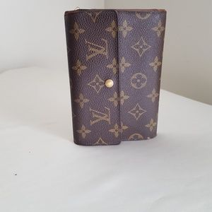 AUTHENTIC LOUIS VUITTON MONOGRAM WALLET WITH ID